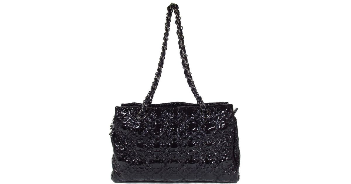 e756b991156a20 Chanel Flower Stitch Chain Shoulder Bag Totebag Patent Leather Black in  Black - Lyst