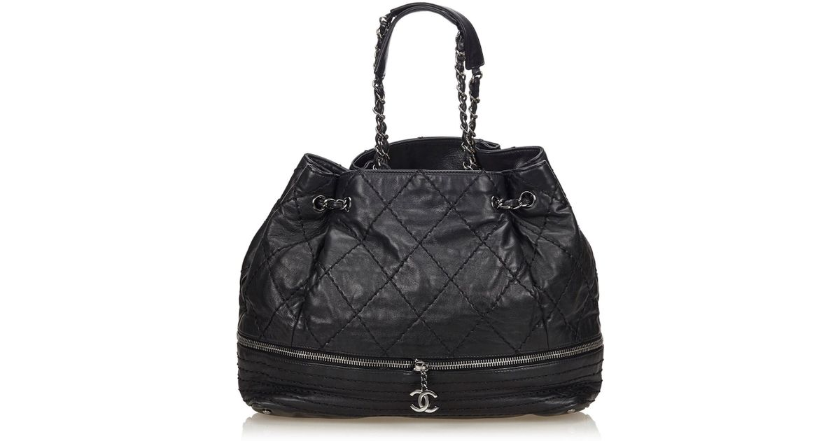 f5539268a272 Lyst - Chanel Surpique Lambskin Leather Tote in Black