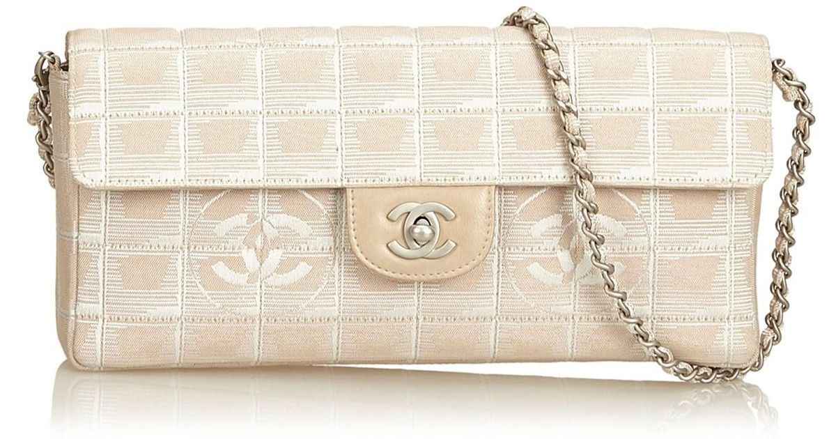 effb67e59f3 Lyst - Chanel New Travel Chain Flap in Natural
