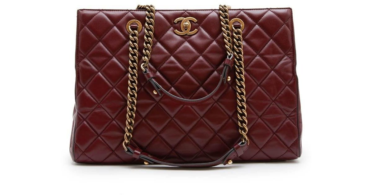 47a50d385cb Chanel Tote Bag In Burgundy Quilted Leather in Red - Lyst