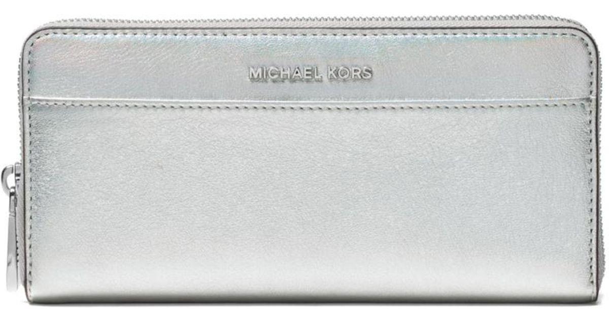 f0c4f6124c29 Michael Michael Kors Jet Set Iridescent Leather Continental Wallet in  Metallic - Lyst