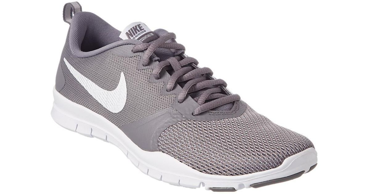 f049fe20ee8a6 Nike Flex Essential Tr in Gray - Lyst
