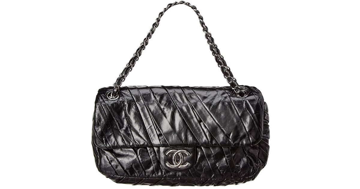 c180c77d2bba Chanel Black Lambskin Leather Medium Twisted Flap Bag in Black - Lyst