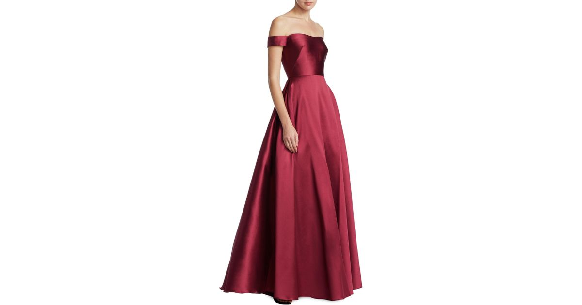 6509ef5621ba Lyst - ML Monique Lhuillier Off-the-shoulder Ball Gown in Red