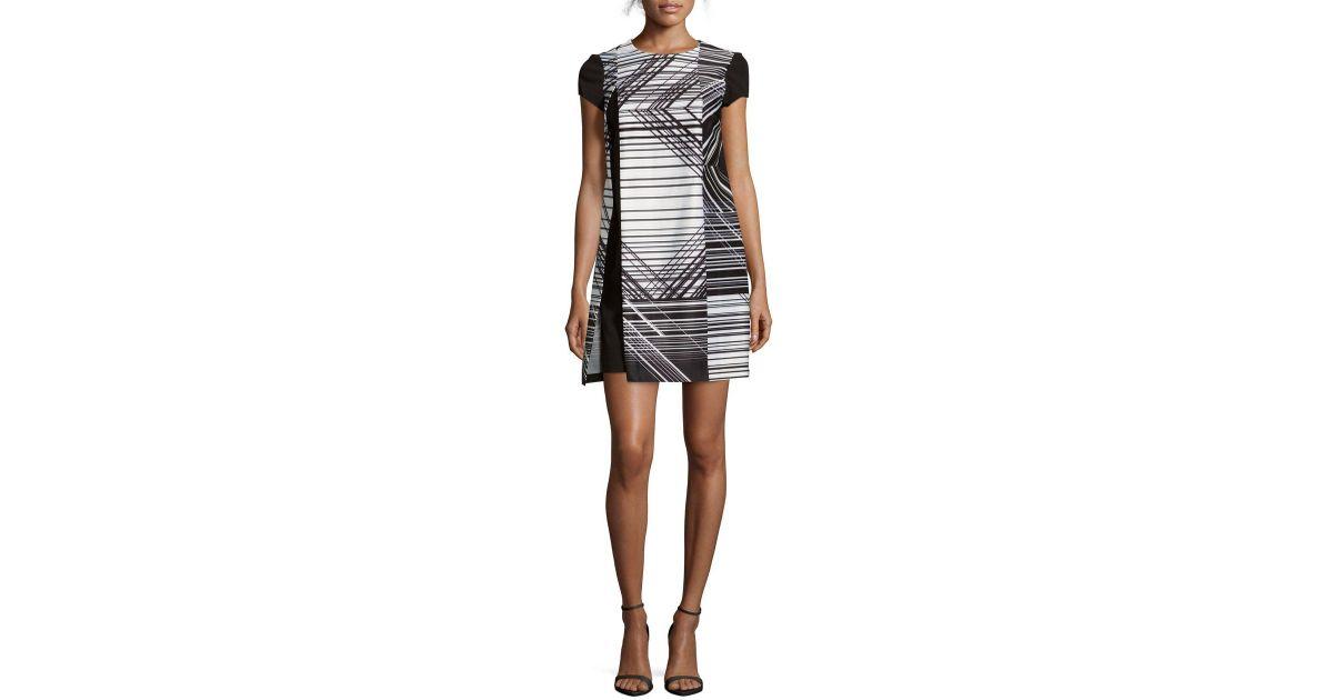 adf39bd54a5 Lyst - Julia Jordan Printed Short Sleeve Shift Dress in Black