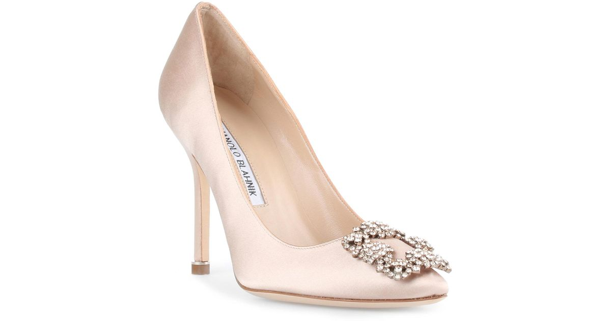 3ae77c152f1 Lyst - Manolo Blahnik Hangisi 105 Nude Satin Pumps in Natural