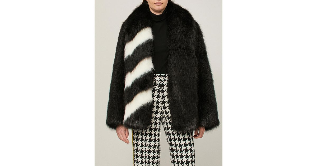 daa6743f32ebb Lyst - Off-White c o Virgil Abloh Striped Faux-fur Coat in Black