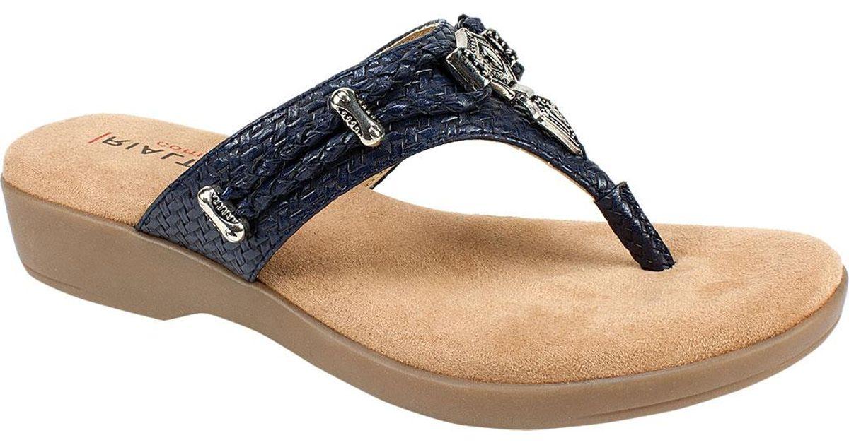 Rialto Bella Thong Sandal (Women's) c26fE10Y