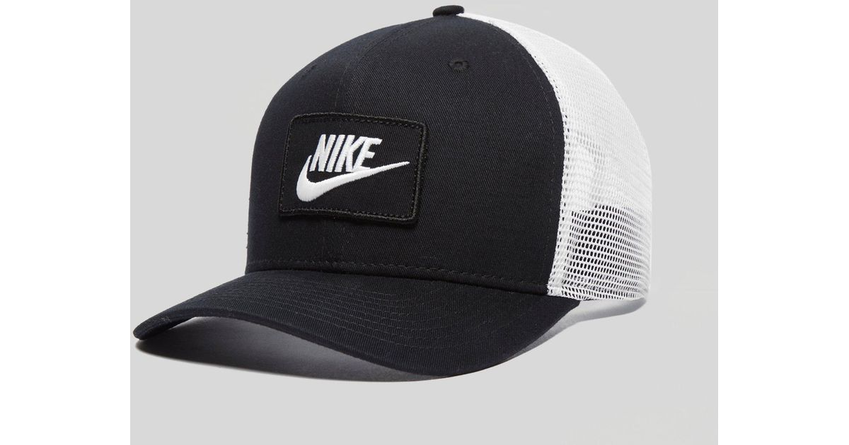 0910474fc9 Nike Swoosh Trucker Cap in Black for Men - Lyst