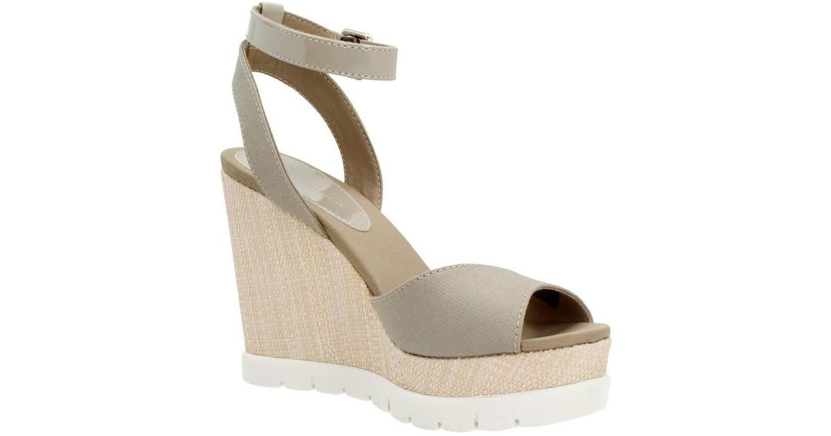 c80fd9d418a Tommy Hilfiger Valencia 6c Women s Sandals In Beige in Natural - Lyst