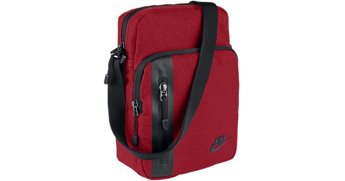 Nike Core Small Items 30 Women s Sports Bag In Black in Black - Lyst ee40609e4
