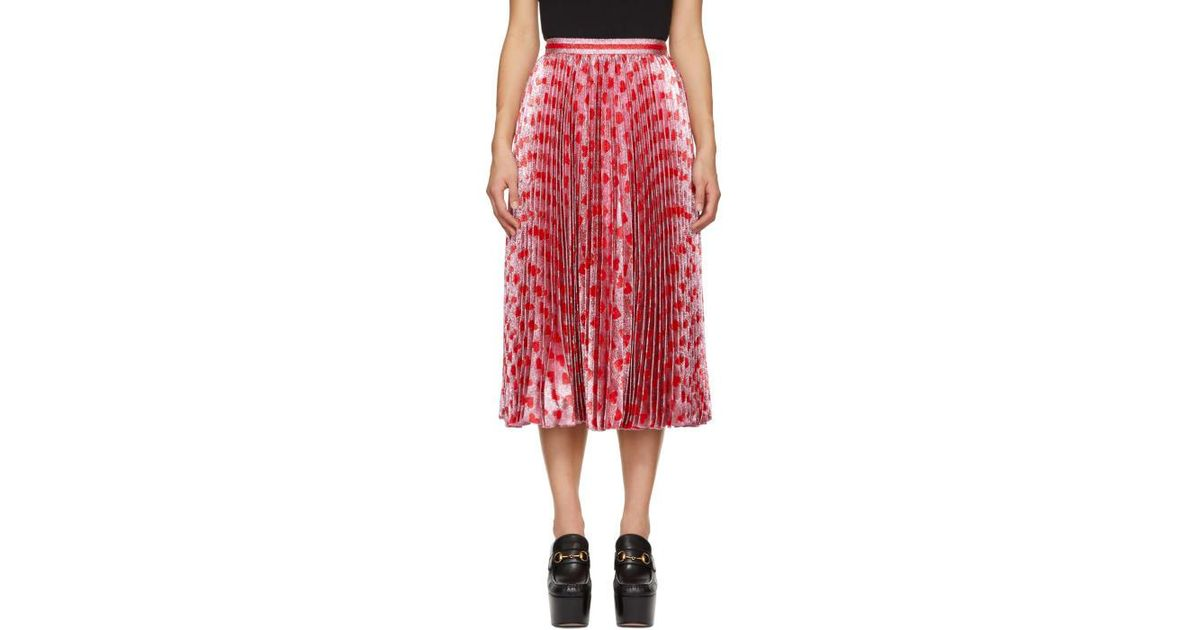 4026e635acf3 Lyst - Gucci Pink And Red Pleated Lurex Hearts Skirt in Pink