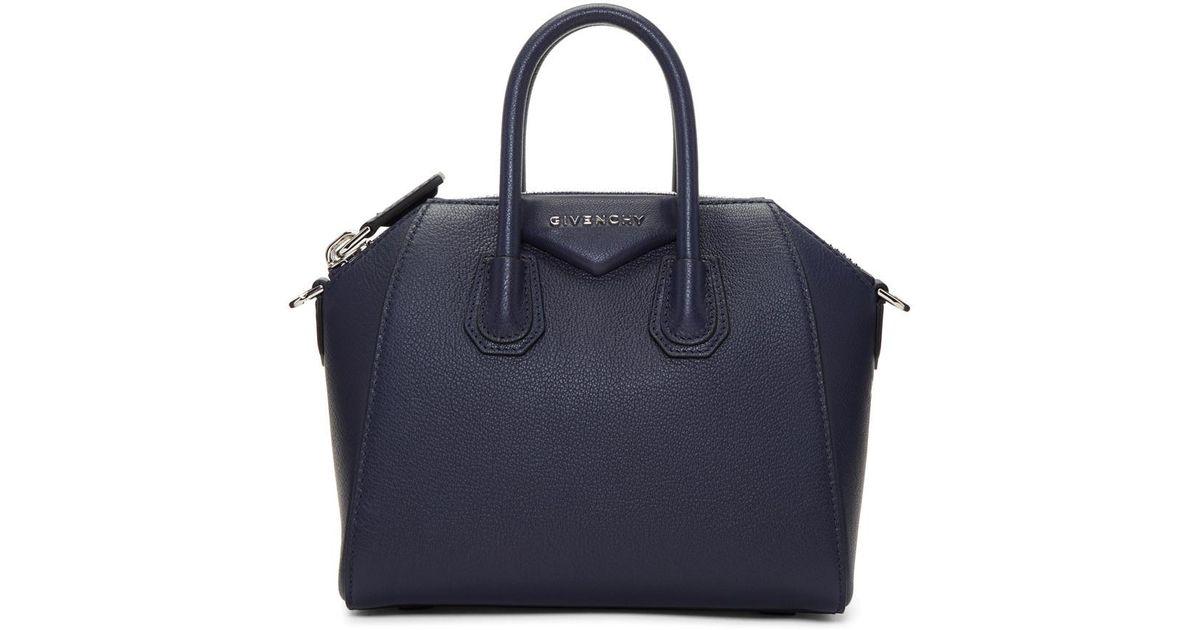69d86317d7 Sac bleu marine Mini Antigona Givenchy en coloris Bleu - Lyst