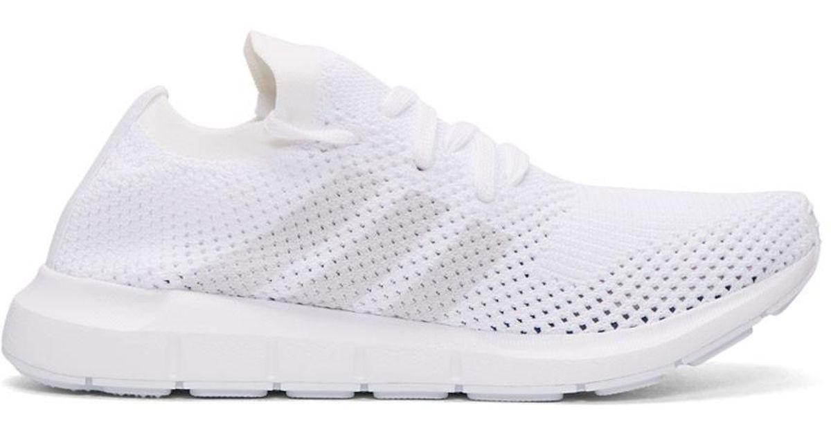 adidas White & Black QT Racing Adv Sneakers Acheter Pas Cher Offre Vente Vraiment Vente Bas Frais D'expédition Profiter De Prix Pas Cher 5MUcV