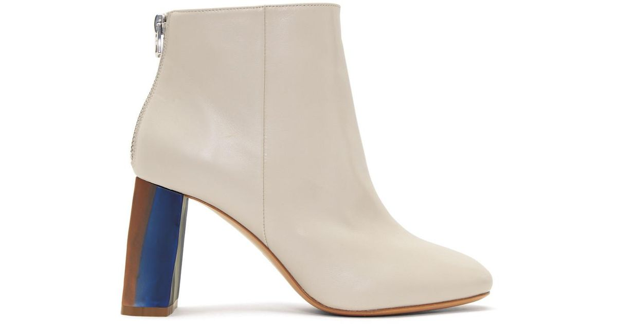 Acne Leather Cliffie Boots in Cream. yaxDP7N