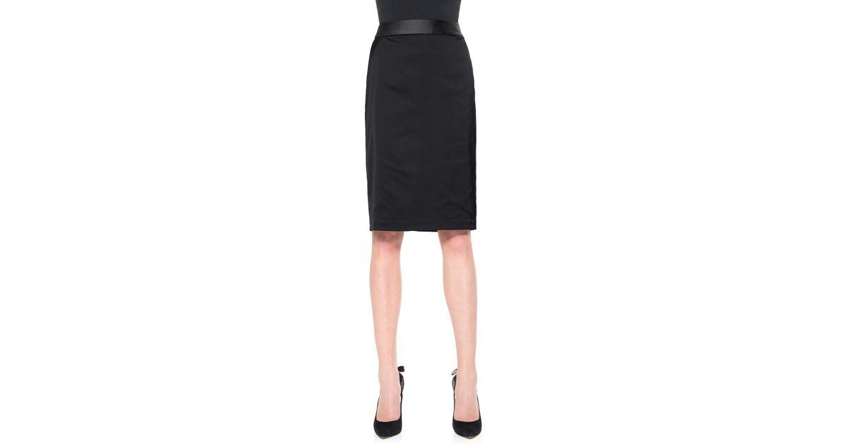 Stretch satin pencil skirt