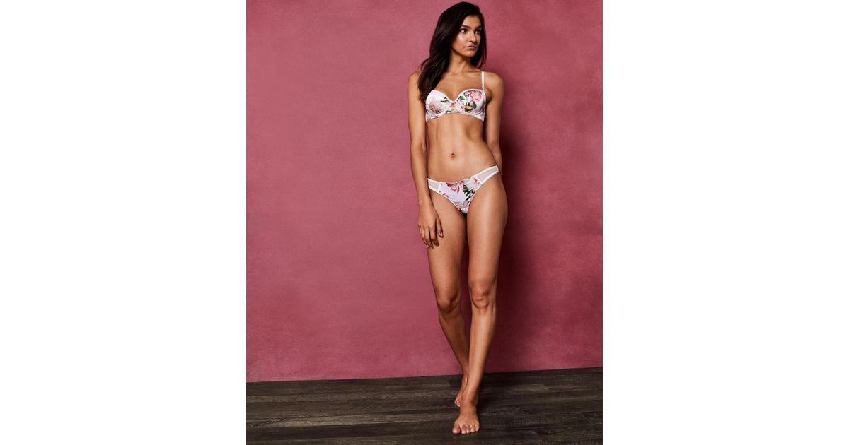 132bd6c6d5 Ted Baker Painted Posie Thong in Pink - Lyst