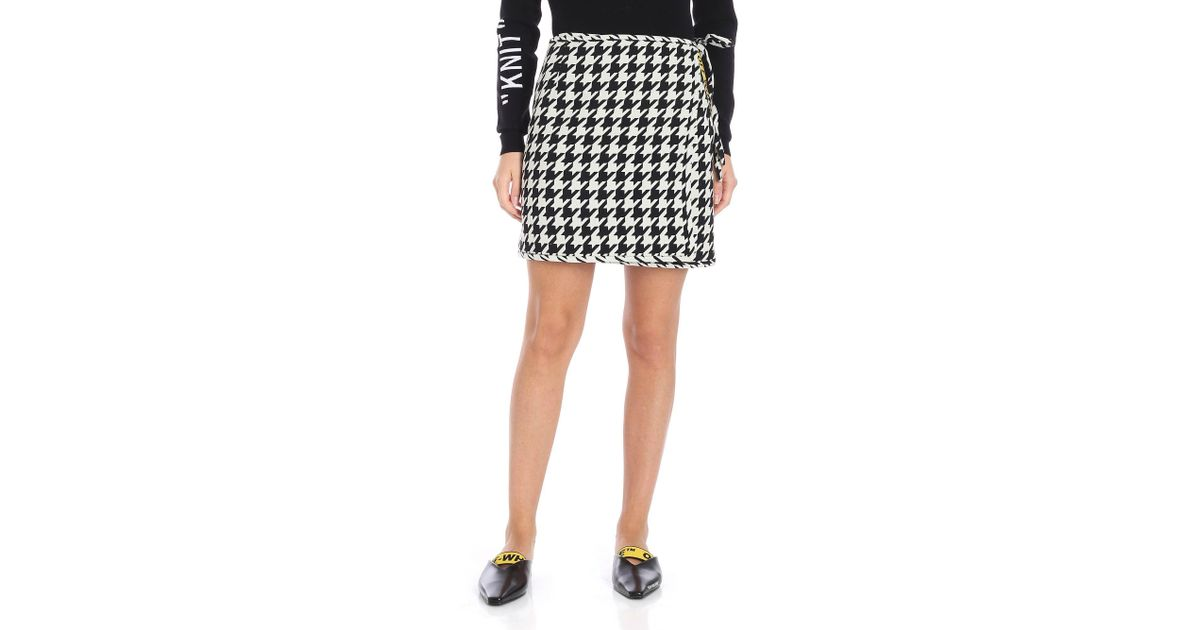 0b0e0f0810a4 Off-White c o Virgil Abloh All Over White And Black Houndstooth Skirt in  White - Lyst