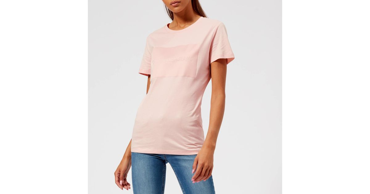 4adcfb912637 Calvin Klein Institutional Satin Box Logo T-shirt in Pink - Lyst