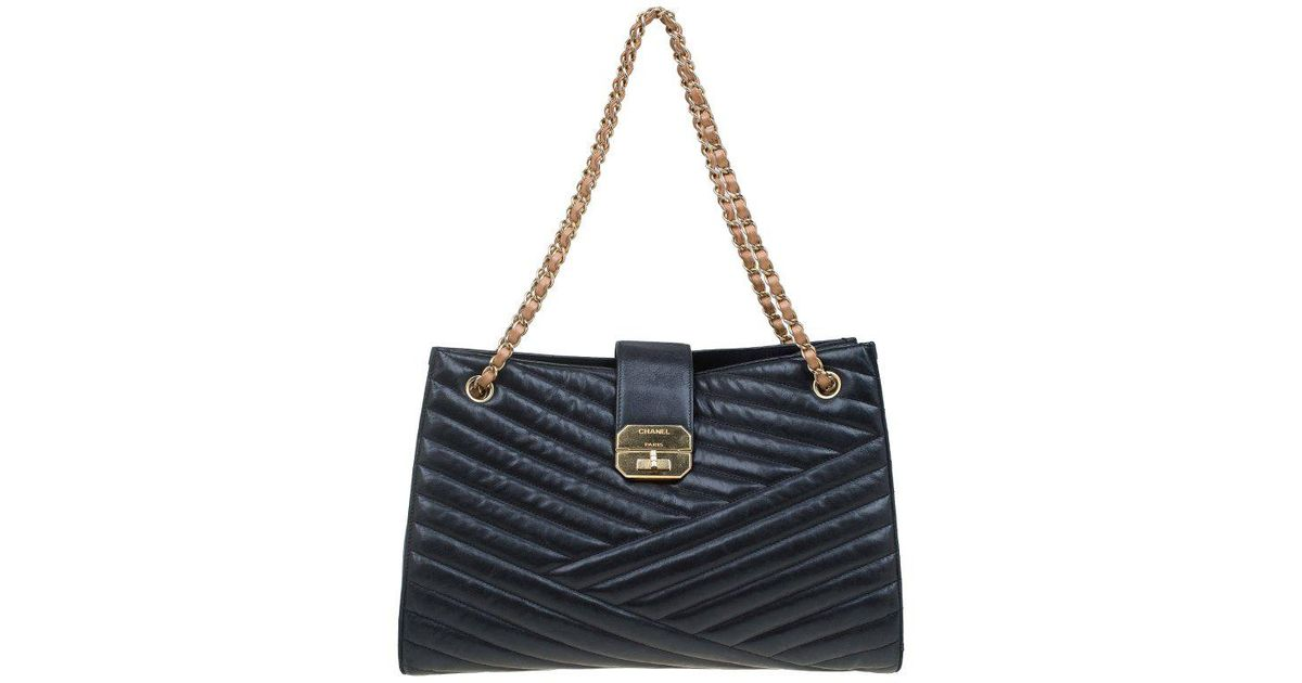 d6c85a0dccb6 Lyst - Chanel Chevron Quilted Leather Gabrielle Chain Shopping Tote in Black
