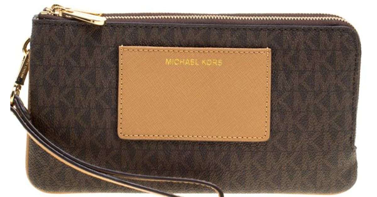 0b885d7f35ccd5 MICHAEL Michael Kors /beige Signature Coated Canvas And Leather Large Bedford  Double Zip Wristlet in Brown - Lyst