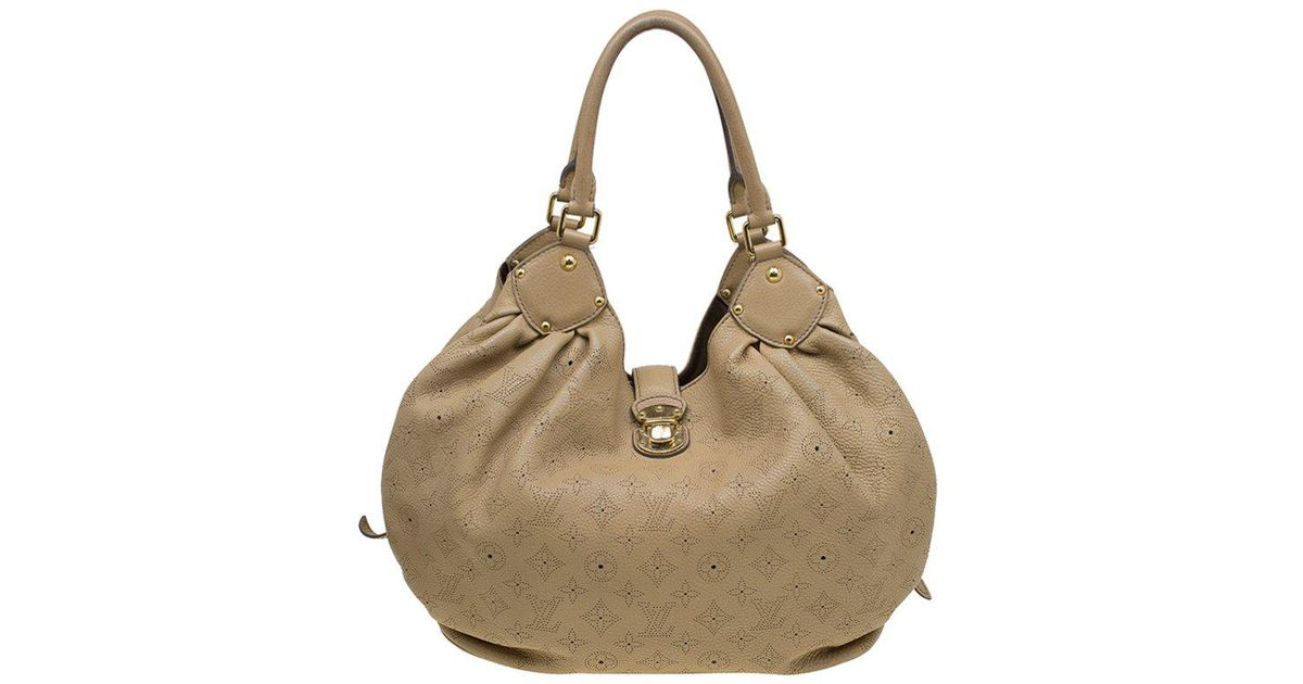 368d485ba78 Lyst - Louis Vuitton Biscuit Monogram Mahina Leather L Bag in Natural