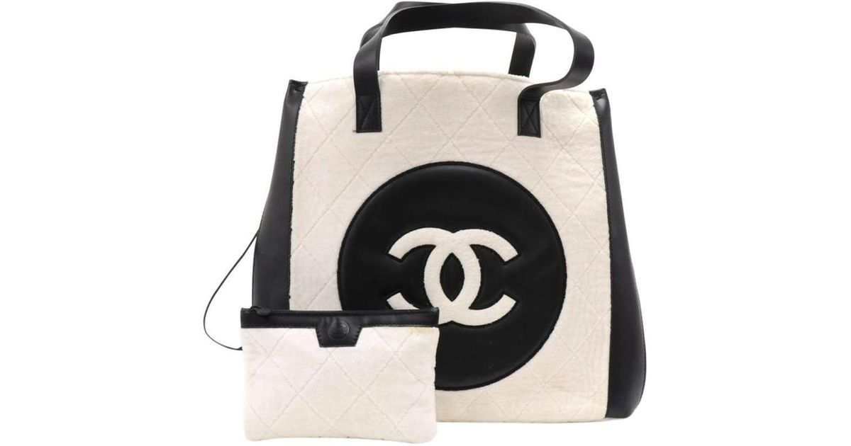 941dafbb25f4fd Chanel Two Tone Quilted Terry Cloth And Leather Cc Shopping Bag in Natural  - Lyst