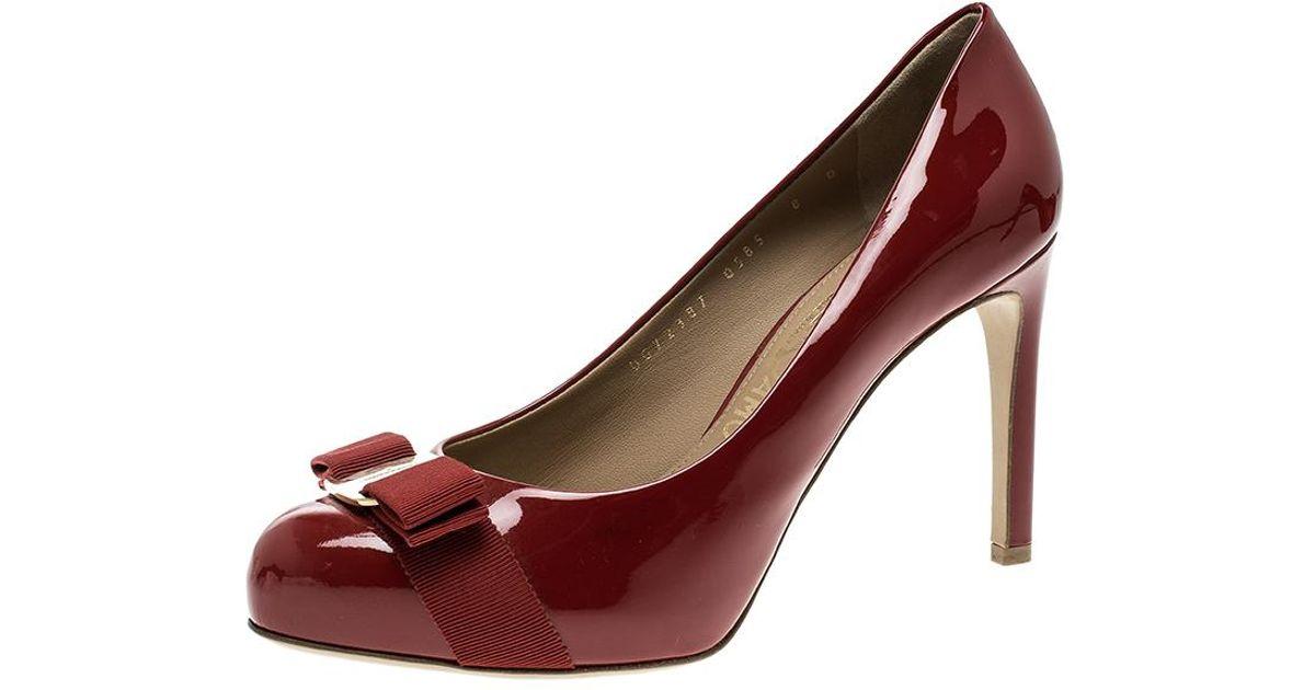 fd7db5ce950a Ferragamo Patent Leather Pimpa Vara Bow Pumps in Red - Lyst