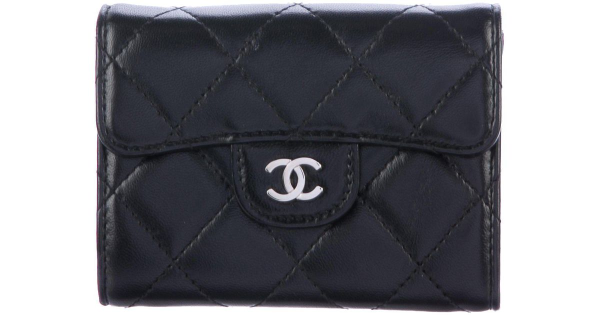 Lyst - Chanel Quilted Lambskin Compact Wallet Black in Metallic 57e003e4dd