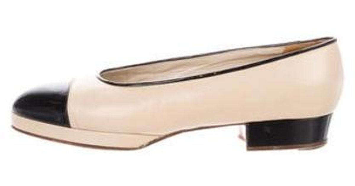 897de9cd5bf Lyst - Chanel Leather Round-toe Flats Black in Natural