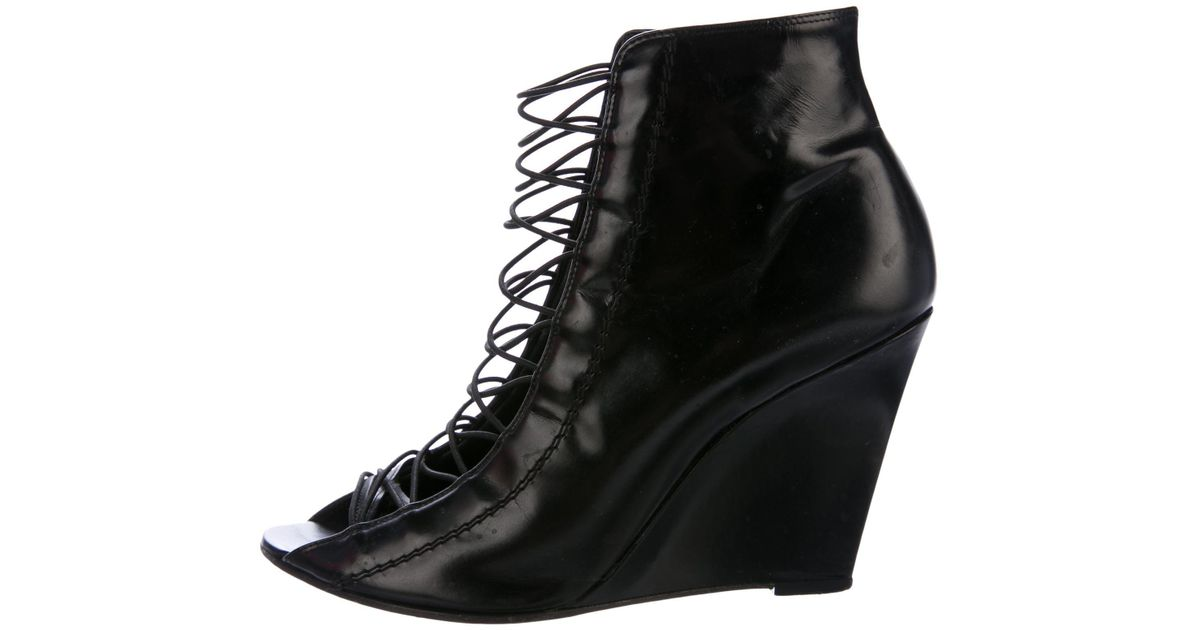 Givenchy Patent Leather Open Toe Boots XF51wrO7p