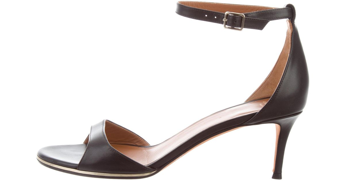 Givenchy Leather Ankle Strap Pumps footlocker pictures nCXGl995mg