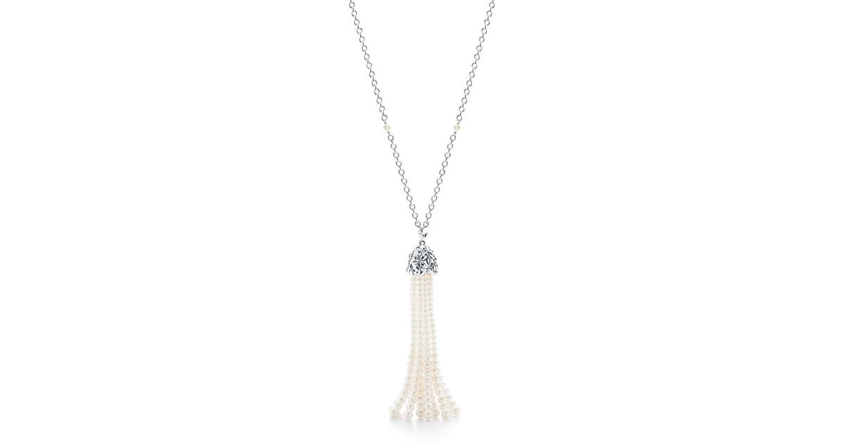 3902df68d Tiffany & Co. Olive Leaf Pearl Tassel Necklace in Green - Lyst