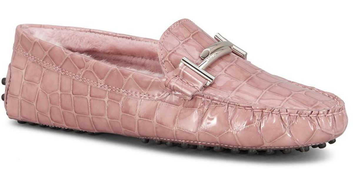 1e8539d28f4 Lyst - Tod s Gommino Driving Shoes In Patent Crocodile-effect Leather in  Pink