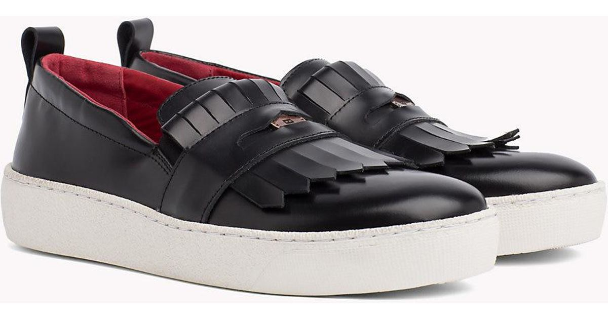 6f769e93ac02 Tommy Hilfiger Fringed Penny Loafer Trainers in Black - Lyst