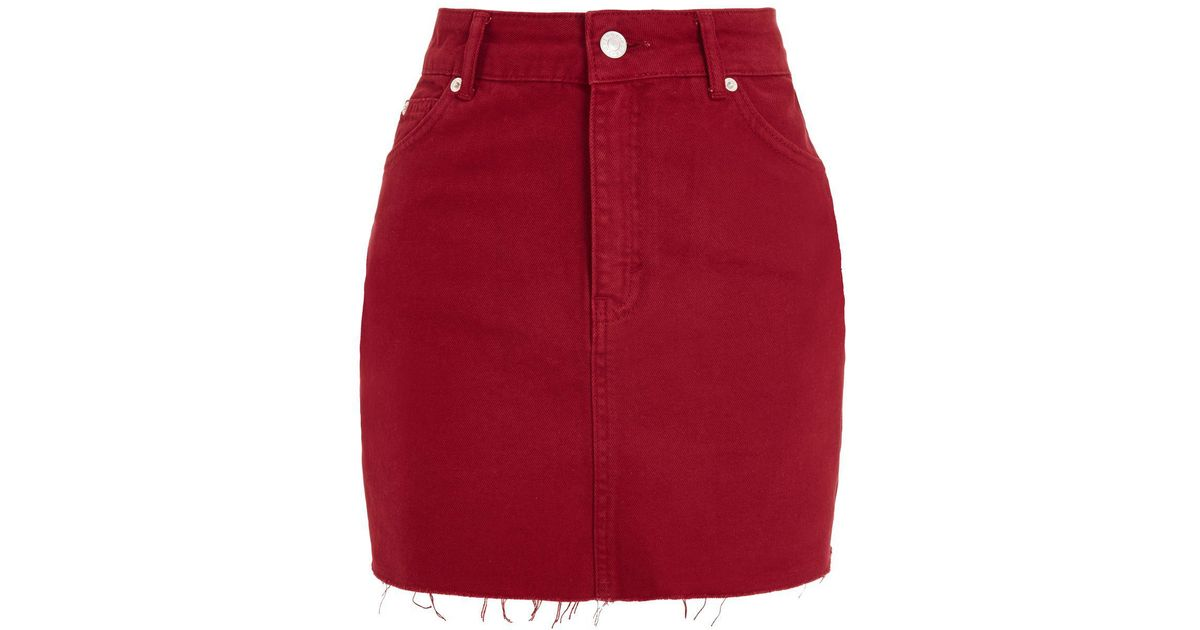 38e33bdd5c TOPSHOP Moto Red Denim Mini Skirt in Red - Lyst