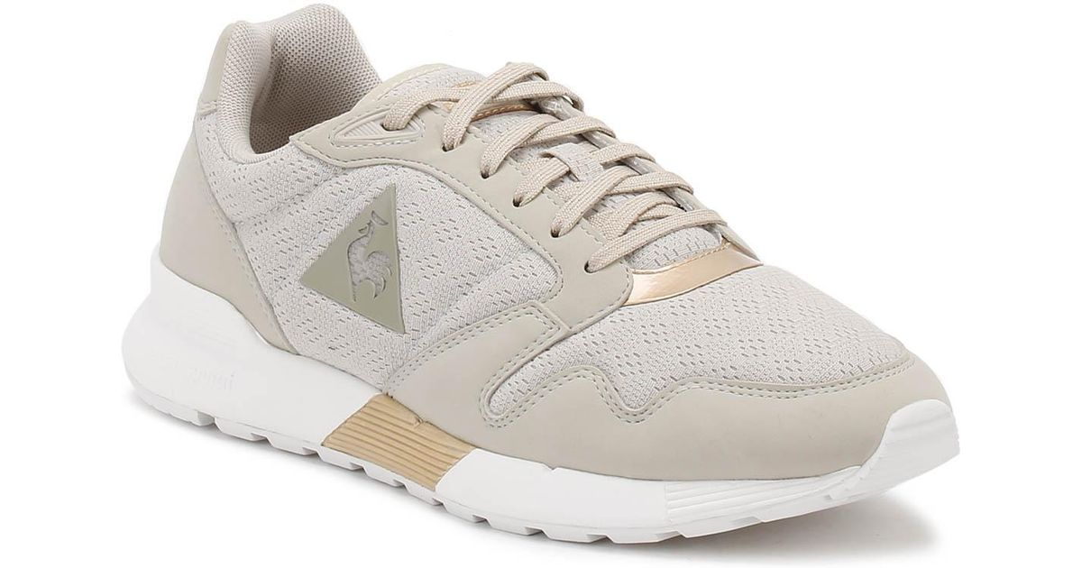 check out a8454 9af8e Le Coq Sportif Womens Metallic Grey rose Gold Omega Xw Trainers in Metallic  - Lyst