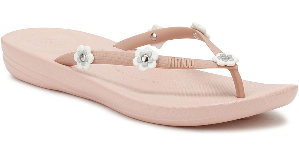 190f122d03a Lyst - Fitflop Womens Flower Nude Mix Iqushion Ergonomic Flip Flops in Pink