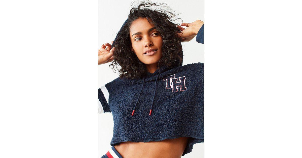 bffac758 Tommy Hilfiger Tommy Hilfiger X Uo Marshmallow Cropped Hoodie Sweatshirt in  Blue - Lyst