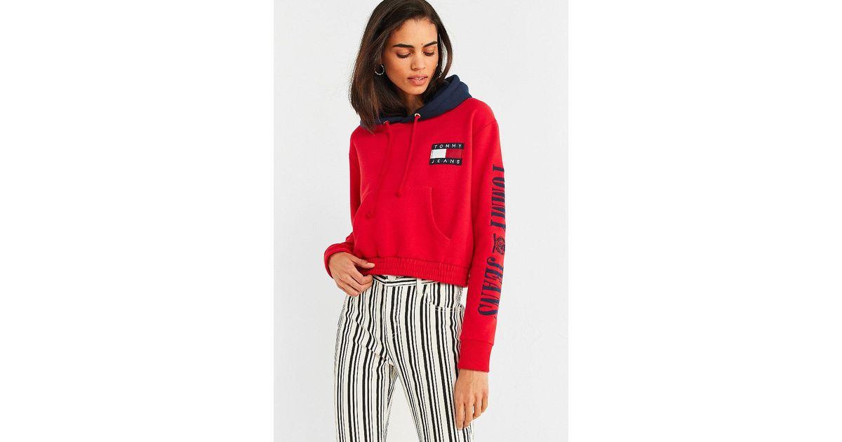 32615cc1114 Lyst - Tommy Hilfiger Tommy Jeans  90s Contrast Cropped Hoodie Sweatshirt  in Red