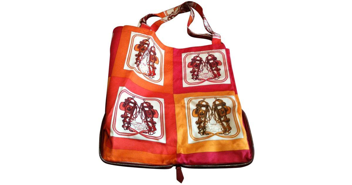 27660201e343 Hermès Pre-owned Silky Pop Silk Handbag in Red - Lyst