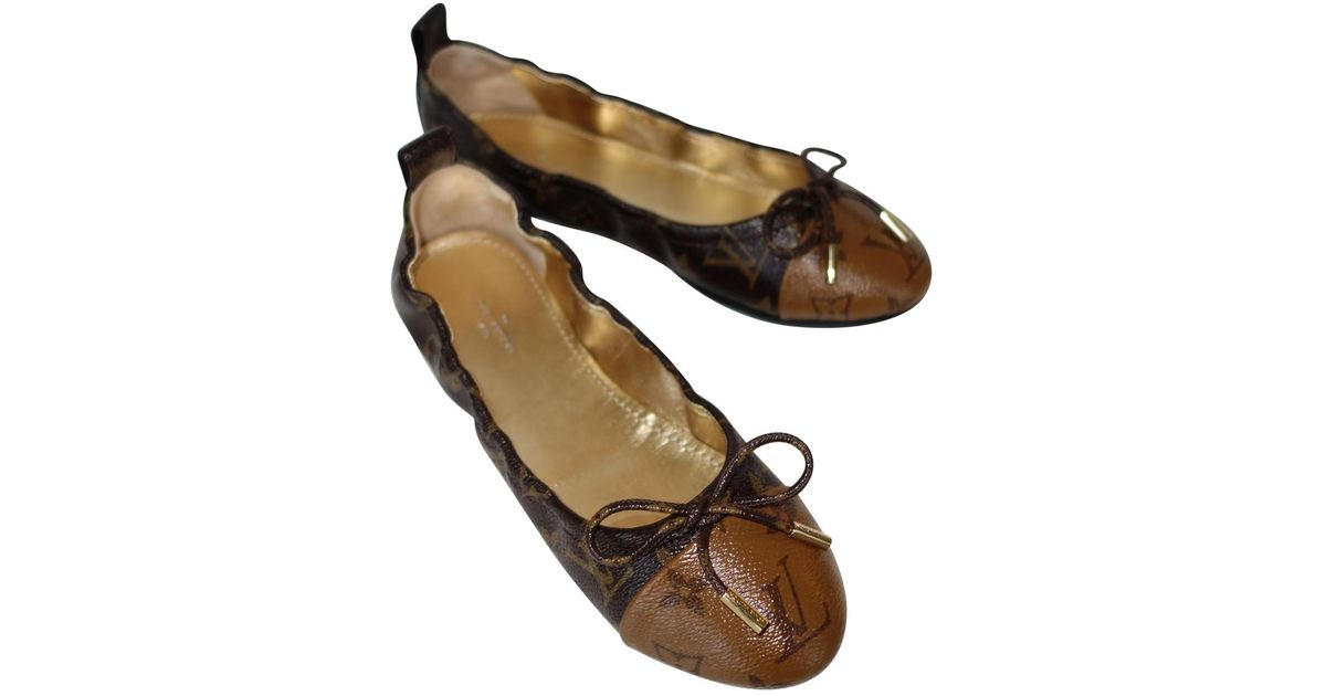 1eb65175ce3f Louis Vuitton Pre-owned Brown Patent Leather Ballet Flats in Brown - Lyst