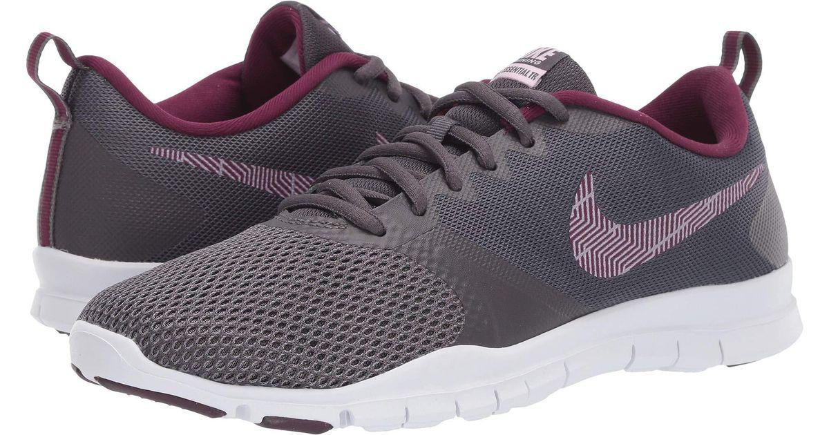 f49cd37aa3e Lyst - Nike Flex Essential Tr in Gray