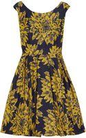 Alice + Olivia Pleated Brocade Dress - Lyst
