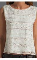Alice + Olivia Vera Crochet Crop Top - Lyst