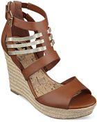 G by Guess Women'S Escinta Caged Espadrille Platform Wedge Sandals - Lyst