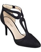 Nine West Endearing Pointed Toe Pumps - Lyst