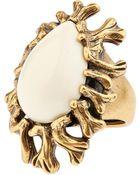 Oscar de la Renta Coral-Branch Teardrop Ring - Lyst