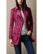 Burberry Short Gathered-Waist Trench Coat - Lyst