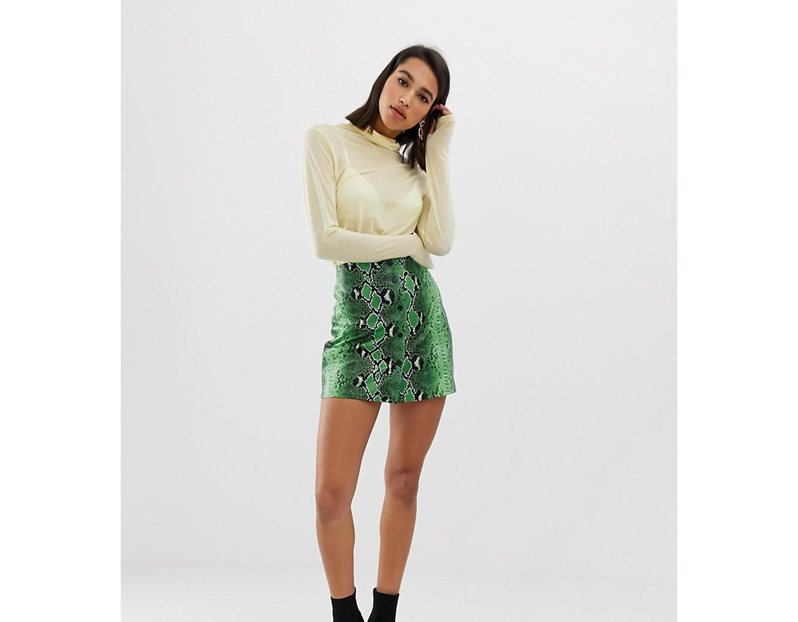 2e89166bac Stradivarius Snake Mini Skirt Pu In Green in Green - Lyst